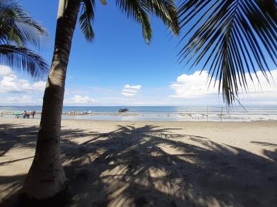 Uitzicht over het strand van het stadje Tela, waar verder helemaal niets te beleven was.