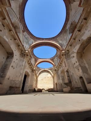 In 'Convento Santa Ana'. Net als alle andere ruïnes in Antigua zeer goed bewaard gebleven.
