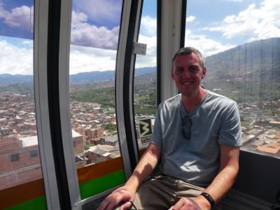 En weer eens in de stoeltjeslift. Dit maal in/over Medellin.