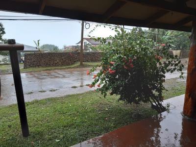 Eerste dag Paaseiland: Regen... heel veel...