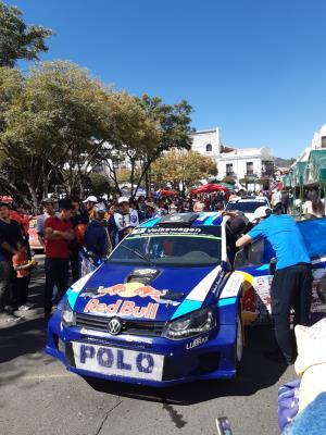 Geen grand prix, maar 3 daagse rally door Sucre. Hele stad op slot en op z'n kop. Supersfeertje!