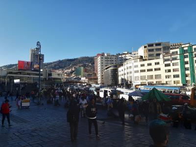 Drukte en hectiek in La Paz.