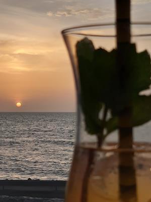 Zonsondergang in tropisch Cartagena.